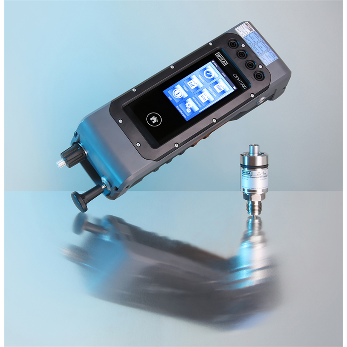 Portable calibrator measures pressures up to 10,000 bar